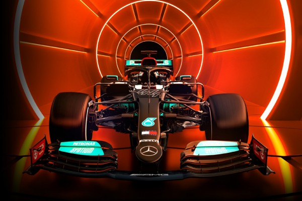 Mercedes-AMG Petronas: All-Flash Performance for a Competitive Edge